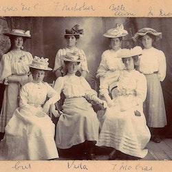 Agnes McC., F Nicholson, Belle, M Nicholson, Vida T McCrae.