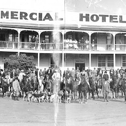 The Hunt, riders and horses. Commercial Hotel, c1938.